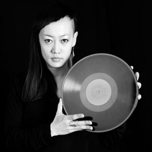 Mieko Suzuki has long years of experience as a piano player. Since 1998 she has organized events and performed as a DJ and sound artist all over the globe with a focus on Japan, Australia and Europe. She won several awards and took part in artists residence...